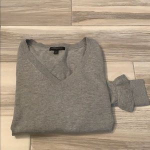 NWOT Banana Republic V-neck with cute sleeves